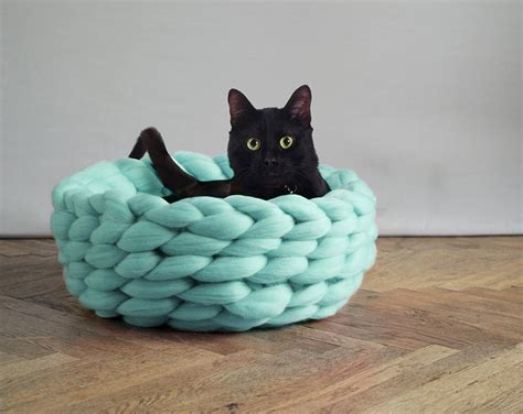 cat bed pattern extremely chunky pet beds knit by anna mo bored panda