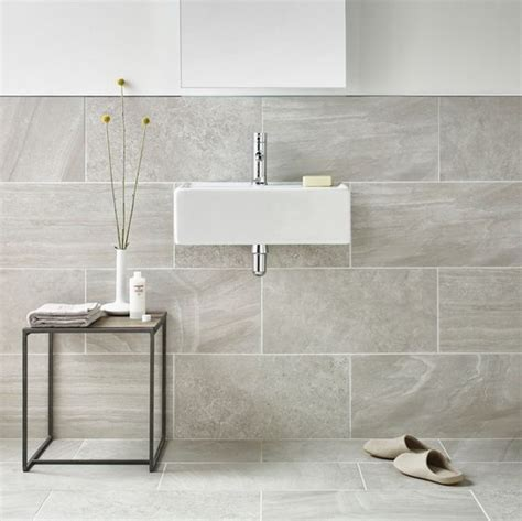 cost of tiling small bathroom how much does it cost to tile a bathroom