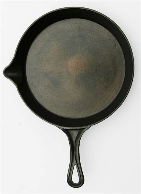 Cast Iron Cooking by 9 Amp 8 P Amp W Early Gate Marked Skillet The Cast Iron