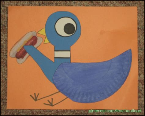 Paper Plate Craft Book - the pigeon finds a based on the book by mo
