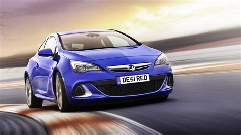 vauxhall vxr sedan vauxhall astra vxr review top gear
