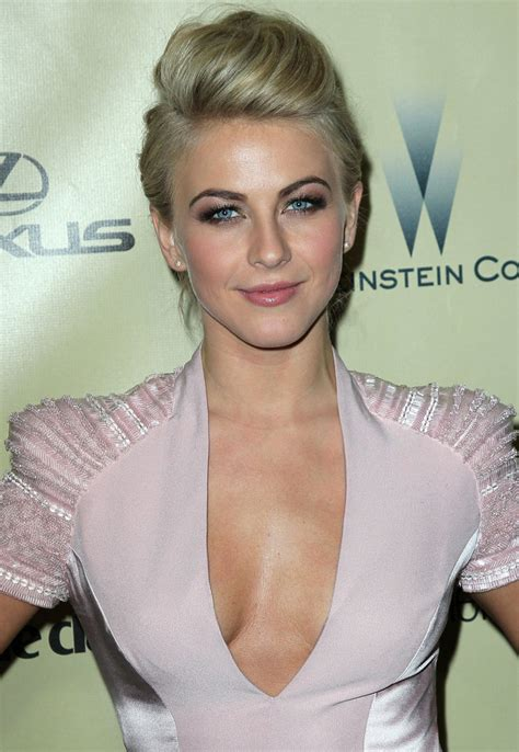 julianne hough s hair at the 2013 golden globes modern salon at the 2013 golden globe awards julianne hough opted for