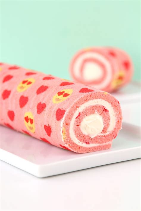 Roll Cake 187 eye emoji patterned cake roll