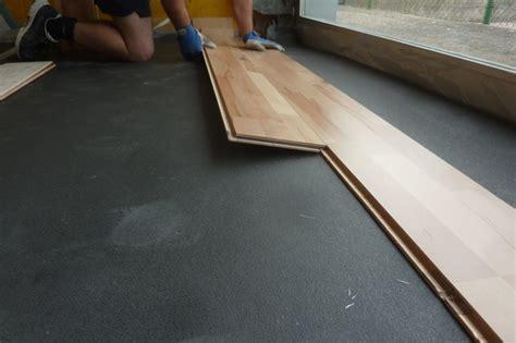 gentlemen here is the elastic wood 22 the sports floor