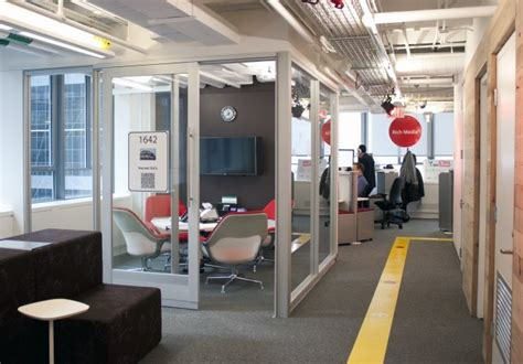 8 Ways To Liven Up An Office by Five New Ways To Spice Up Your Cubicle Office
