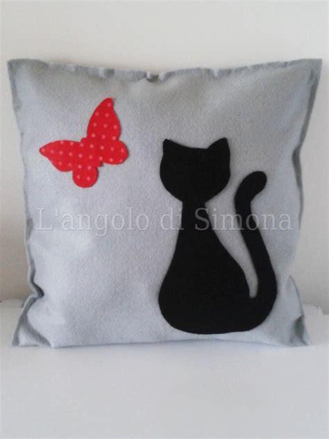 cuscini gatto cuscino feltro gatto con farfalla 35x35 cm per la casa e