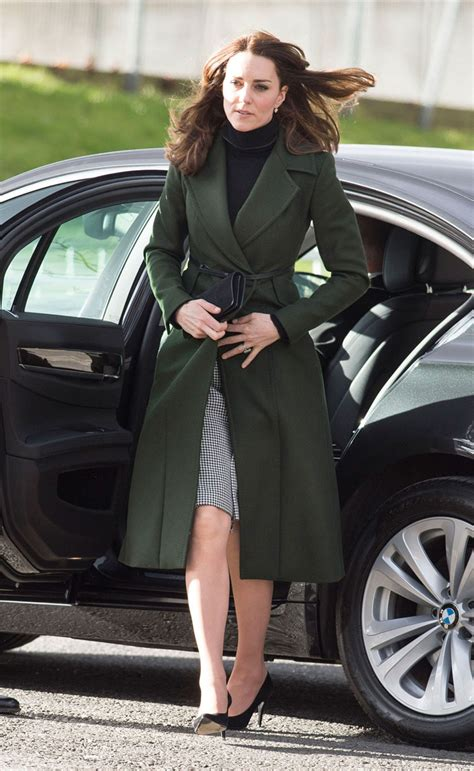 kate middleton switching  belts   coats