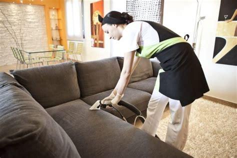 pulire divani in tessuto come pulire i divani in tessuto con i prodotti naturali