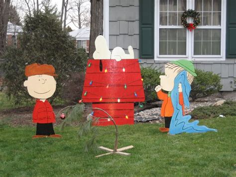 charlie brown peanuts christmas decorations photograph cha