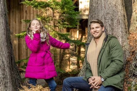 cast interviews family traditions christmas getaway hallmark channel