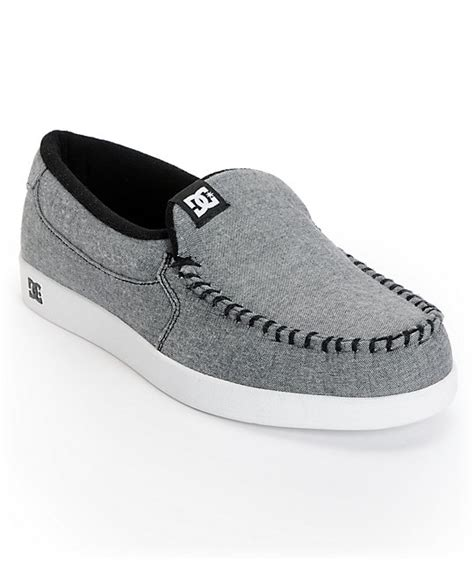 dc house shoes dc villain tx light grey chambray slippers at zumiez pdp