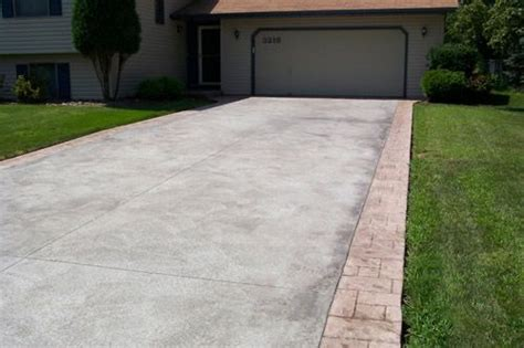 Extend Patio With Pavers I D Like To Extend The Driveway Seal Coat And Add Paver Border Landscaping Pinterest