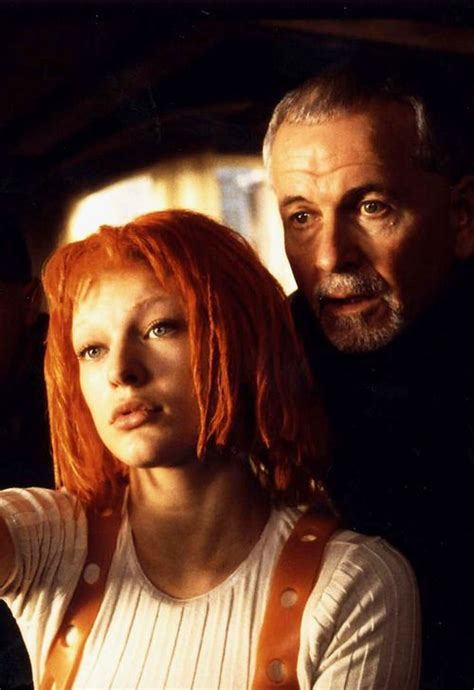 milla jovovich extraterrestres milla jovovich ian holm in the fifth element sexto y