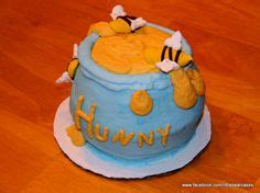 1st birthday this is a 1 2 sheet cake with winnie the