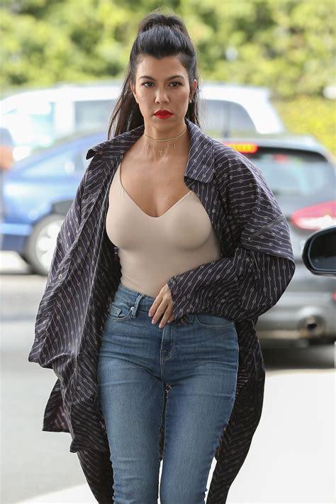 kourtney kardashian kourtney kardashian arriving at casa vega in sherman oaks