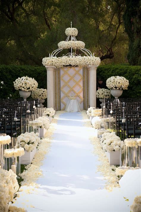 Garden Wedding Decor Ideas Gorgeous Wedding Ceremony Ideas The Magazine