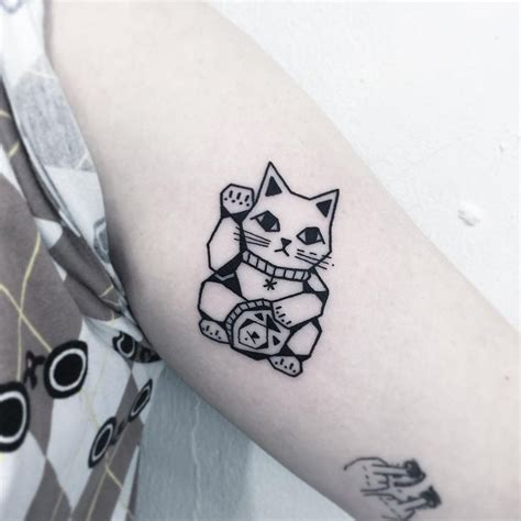 maneki neko tattoo 17 best ideas about maneki neko on