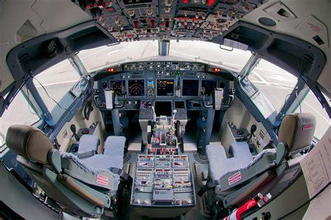 b737 max flight deck file s7 airlines boeing 737 800 flight deck beltyukov jpg