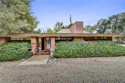 frank lloyd wright inspired house plans a wee frank lloyd wright inspired home can be yours for 299k curbed