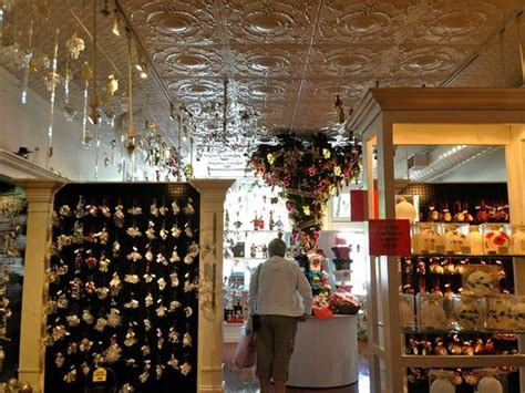 niagara on the lake just christmas store picture of