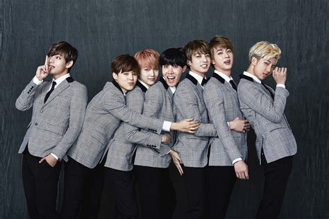 bts family bts images bts 2nd anniversary 가족사진 real family picture