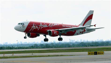 airasia airlines malaysia airlines and air asia going to work together