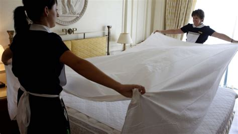 something different in bed hotel etiquette for guests how to be a better hotel guest