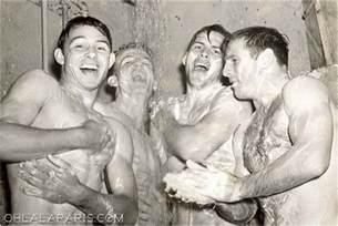 jungs duschen vintage shower boys ohlalamag