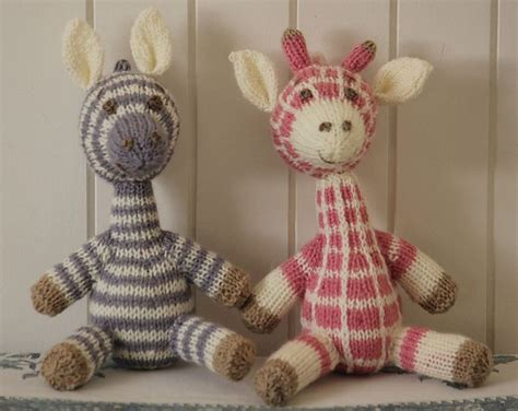 how to knit stuffed animals 25 best ideas about knitted stuffed animals on