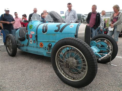 vintage bugatti race car bugatti racecar by remmy77 on deviantart