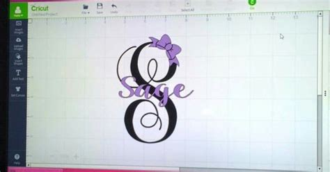 dafont sweet pea it is the monogram kk sc font from dafont and the name is