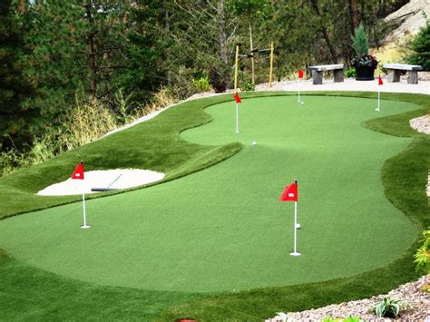best 25 backyard putting green ideas on golf