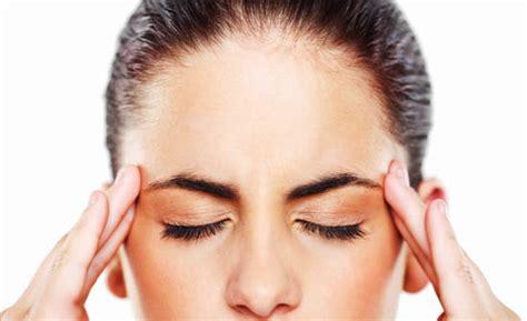 mal di testa con aura emicrania con e senza aura i sintomi e come curarla