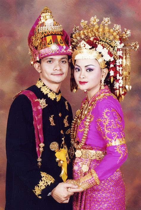 Baju Adat Suku Aceh foto pakaian adat aceh indonesiaku