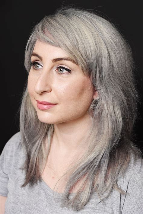 how to bring out the grey in hair how to bring out the grey in hair light brown hair dye