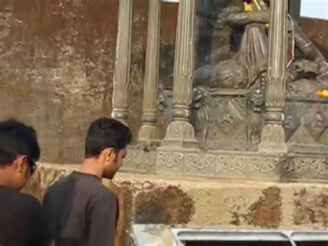 Shivaji Maharaj Raigad Fort Essay by Shivaji Maharaj S Throne At Raigad Fort