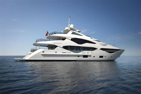 nieuwe jachten sunseeker to launch new 131 yacht at the london boat show