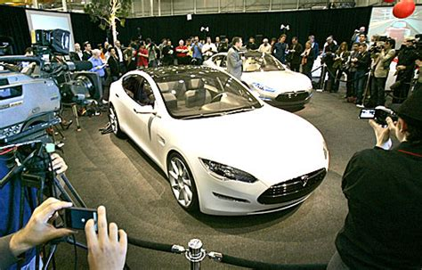 Who Owns Tesla Motors Daimler Invests In Electric Car Maker Tesla Motors