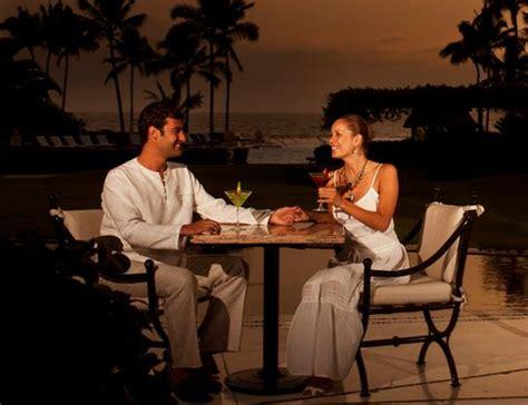 Imagenes De Parejas Romanticas Cenando | regala una cena rom 225 ntica en la playa a tu pareja vallarta