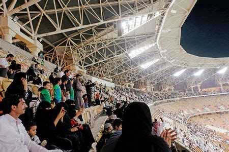 Abaya Sets Nf 071c saudi score right to s soccer in stadiums