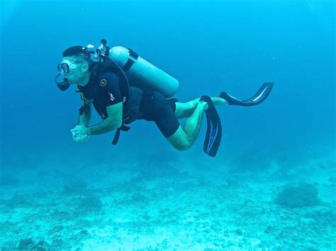 dive gili islands friendly travel guide to the gili islands nomadic boys