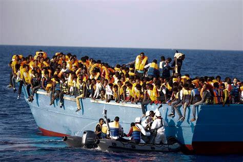 refugee boat australia refugee boat heading for australia from kerala in india