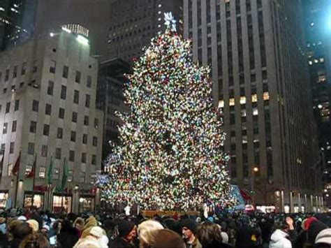 when do they remove rockefeller christmas tree 2008 new york city rockefeller center tree macy s