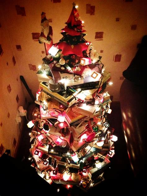 clever christmas tree trend trees made of books mnn