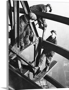 Steelworkers on girders of the Empire State Building, New