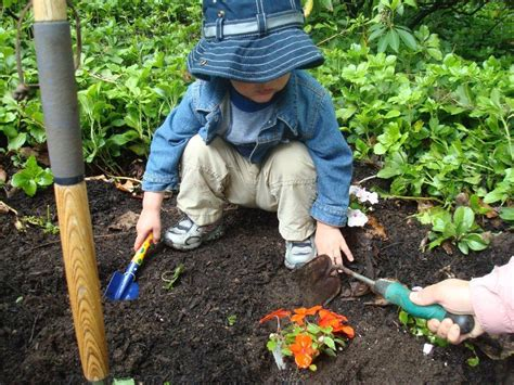 8 Cool Gardening Blogs by Wfl Children S Room Gardening At The Branch