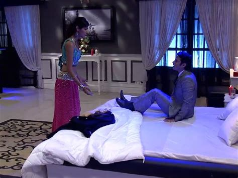 day one bedroom dancing shocker raman s gift says ishita can become a real mother