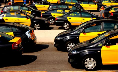 Barcelona Uber | uber drives into more legal obstacles this time in barcelona