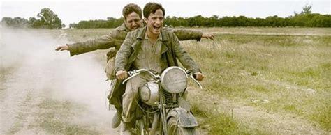 mutlu eden filmler sikilmadan izleyeceginiz tuerden