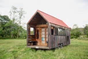 tiny mobile homes rustic looking mobile shelter for your great vacation